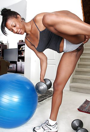 Fitness Black Model pictures