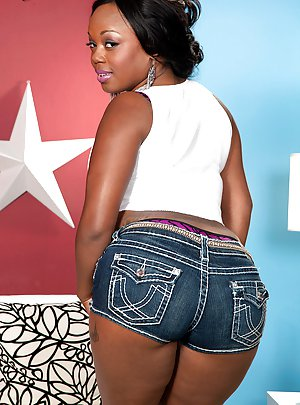 Black Girl Shorts pictures