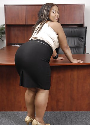 Black Sex in Office pictures